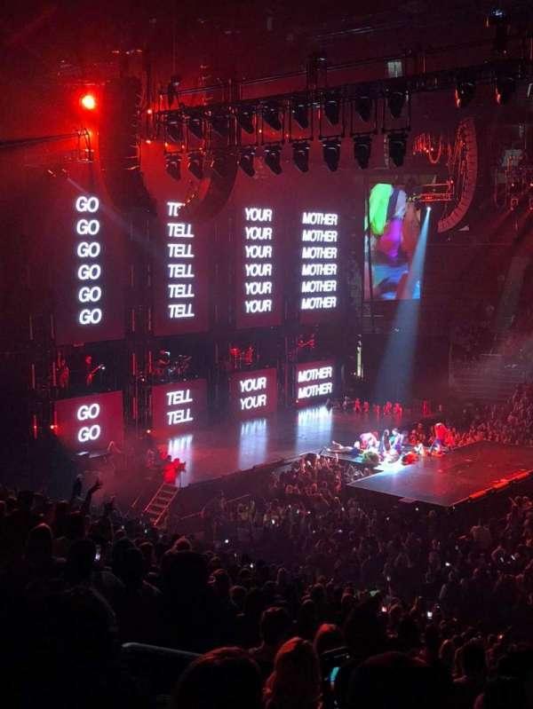 Little Caesars Arena, vak: 122, rij: 22, stoel: 13