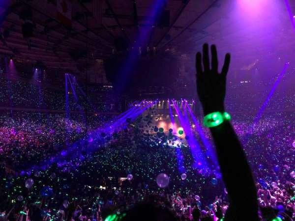 Madison Square Garden, vak: 103, rij: 19, stoel: 7