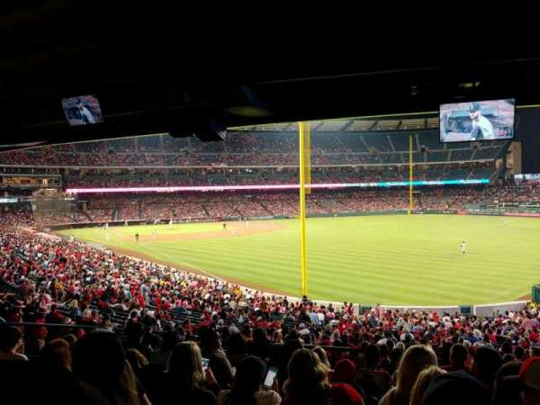 Angel Stadium, vak: T231, rij: K, stoel: 22