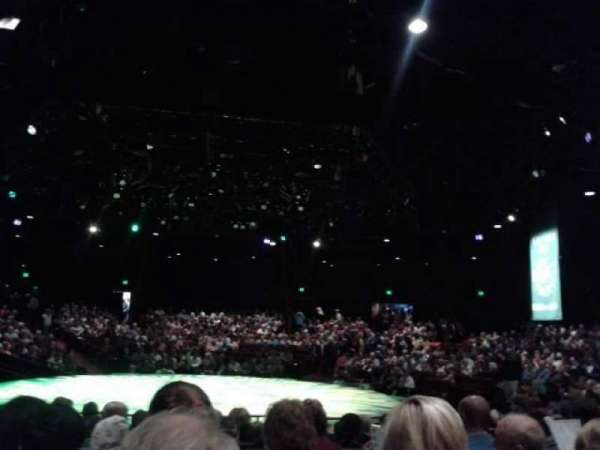 North Shore Music Theatre, vak: B, rij: K, stoel: 15