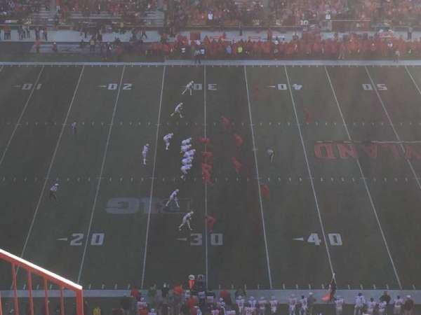 Maryland Stadium, vak: 305, rij: O, stoel: 3