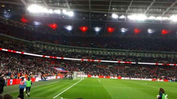 Wembley Stadium, vak: 126, rij: 5, stoel: 111