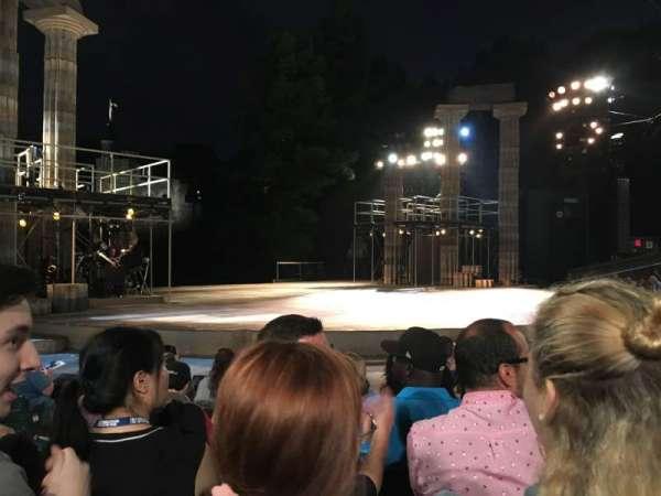 The Delacorte Theater in Central Park, vak: D, rij: F, stoel: 309