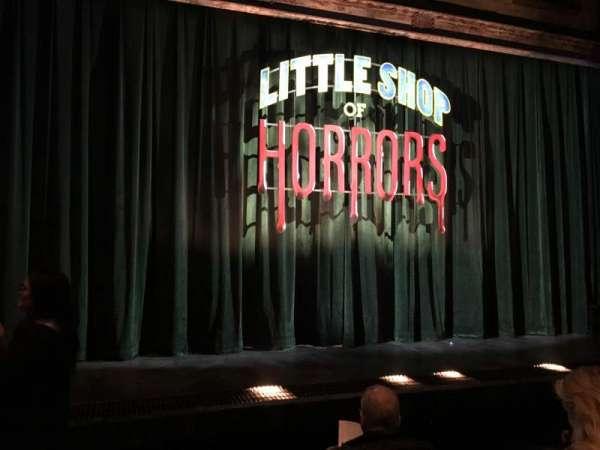 Westside Theatre, vak: ORCHFR, rij: D, stoel: 111