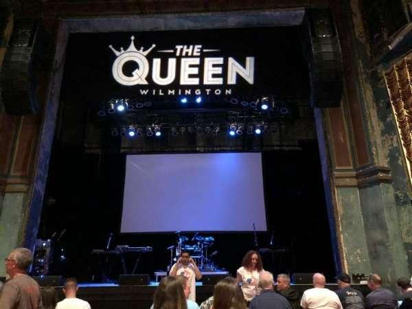 The Queen, vak: GA Floor, rij: Last Row in Front of t, stoel: Center Aisle