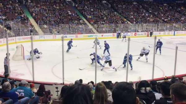 Rogers Arena, vak: 120, rij: 11, stoel: 4