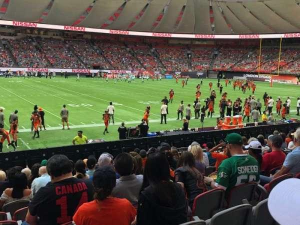 BC Place, vak: 243, rij: L, stoel: 10