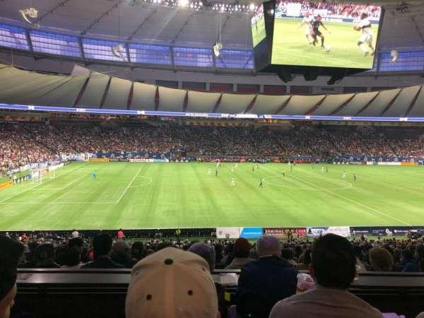 BC Place, vak: 344, rij: D, stoel: 7
