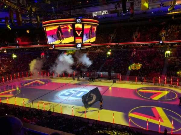 Rogers Arena, vak: 306, rij: 2, stoel: 1