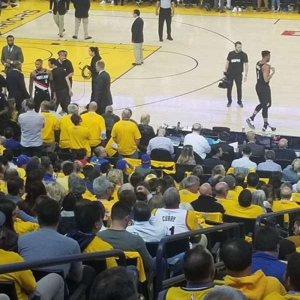Oakland Arena, vak: 128, rij: 12, stoel: 12