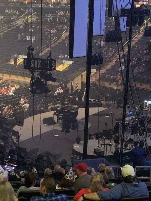Madison Square Garden, vak: 110, rij: 22, stoel: 21