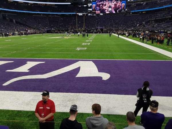 U.S. Bank Stadium, vak: 140, rij: 1, stoel: 6