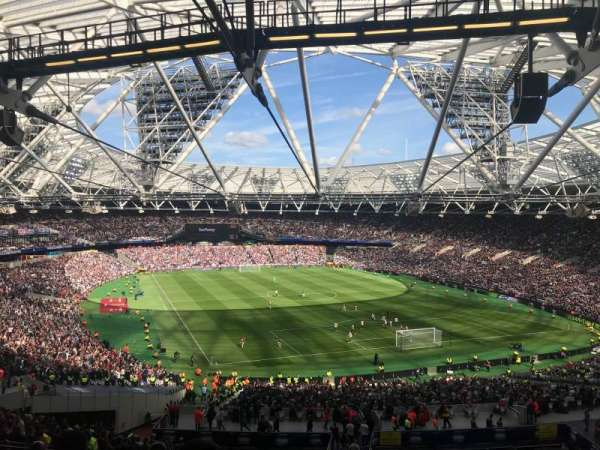 London Stadium, vak: 218, rij: 58, stoel: 116