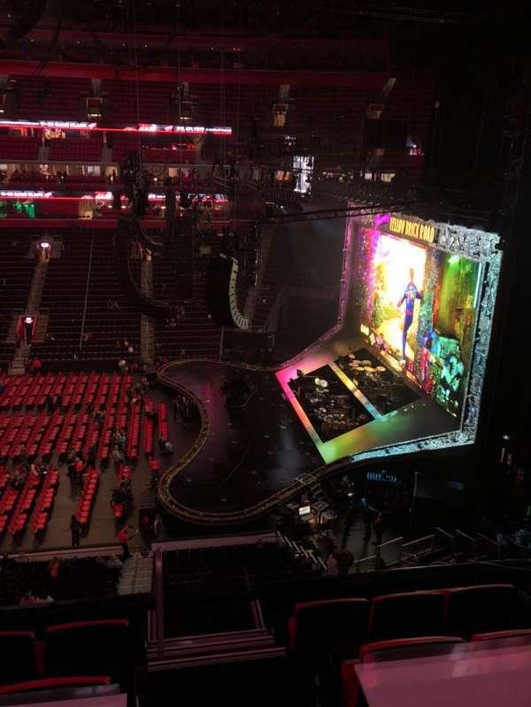 Little Caesars Arena, vak: M8, rij: 1, stoel: 10