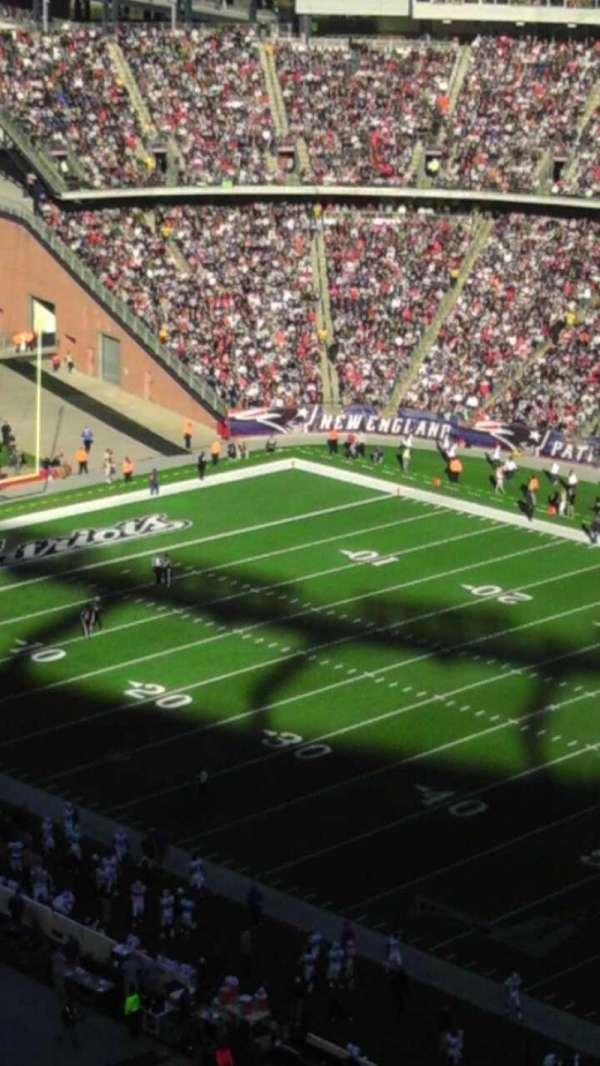 Gillette Stadium, vak: 327, rij: 9, stoel: 14