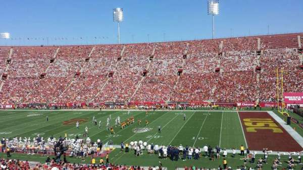 Los Angeles Memorial Coliseum, vak: 5H, rij: 43, stoel: 105W
