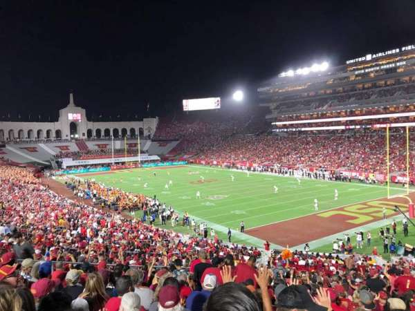Los Angeles Memorial Coliseum, vak: 117, rij: 43, stoel: 12
