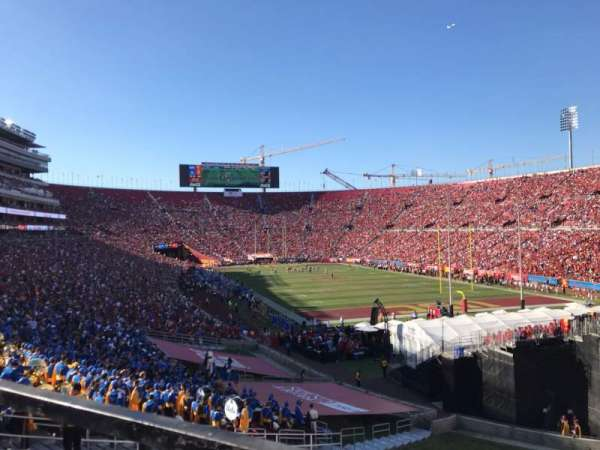 Los Angeles Memorial Coliseum, vak: 100, rij: 43, stoel: 7
