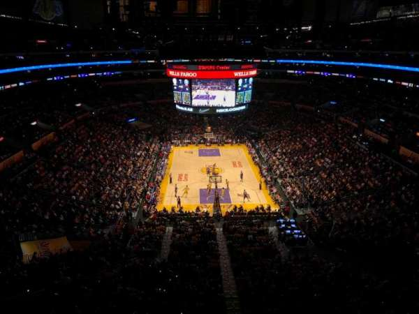 Staples Center, vak: 327, rij: 2, stoel: 2