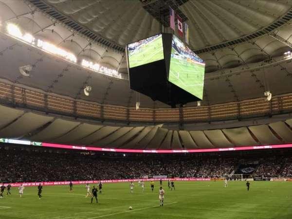 BC Place, vak: 222, rij: A, stoel: 101