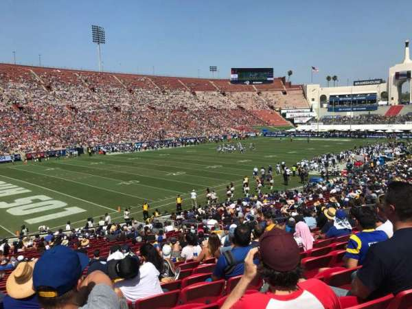 Los Angeles Memorial Coliseum, vak: 10L, rij: 29, stoel: 16