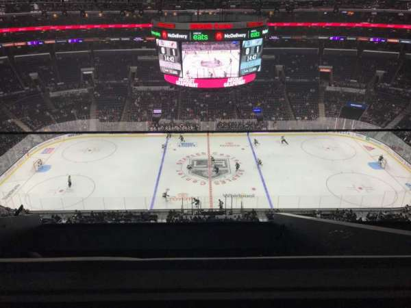 Staples Center, vak: 318, rij: 7, stoel: 19