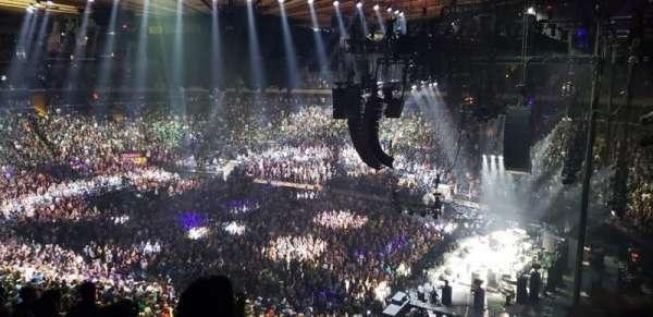 Madison Square Garden, vak: 214, rij: 8, stoel: 8