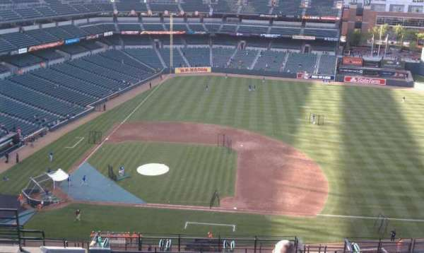 Oriole Park at Camden Yards, vak: 322, rij: 20, stoel: 13