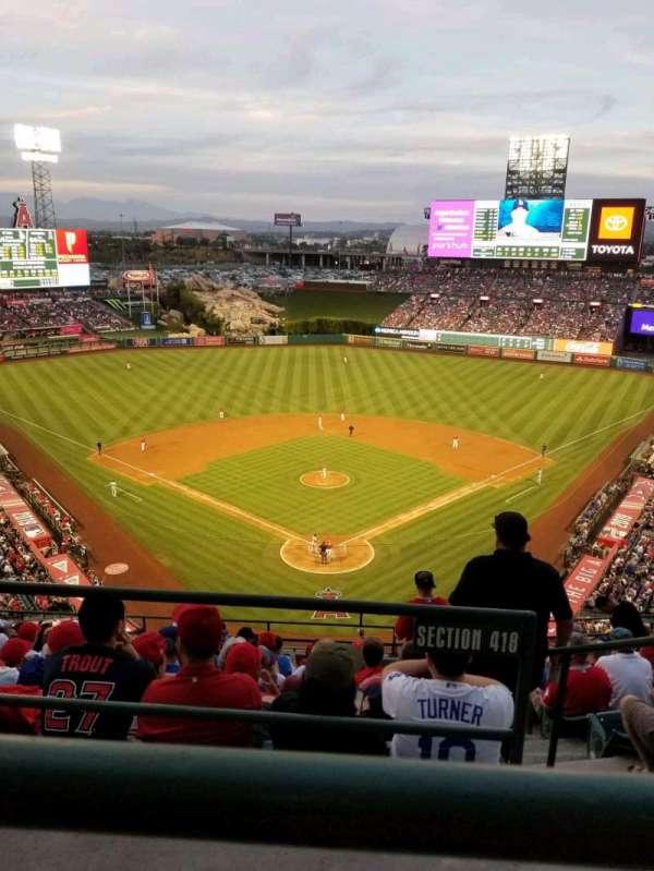 Angel Stadium, vak: V520, rij: A, stoel: 11