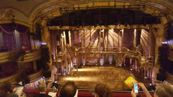 Richard Rodgers Theatre, vak: Front mezzanine center, rij: E, stoel: 107