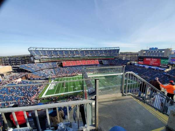 Gillette Stadium, vak: 333, rij: 8, stoel: 1
