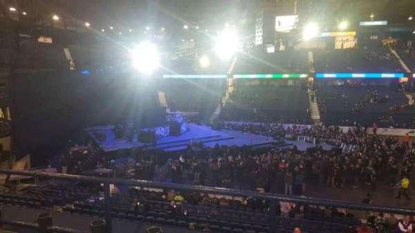 Allstate Arena, vak: 203, rij: C, stoel: 8