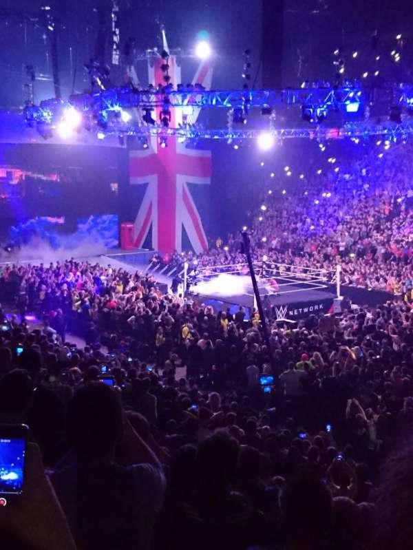 Manchester Arena, vak: 106, rij: J, stoel: 15