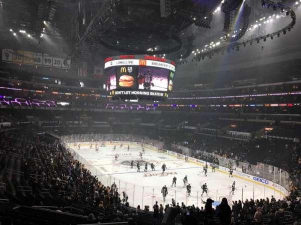 Staples Center, vak: 209, rij: 12, stoel: 22