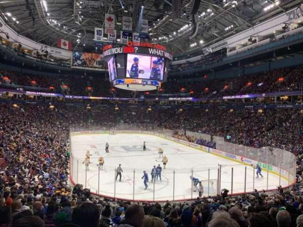 Rogers Arena, vak: 102, rij: 21