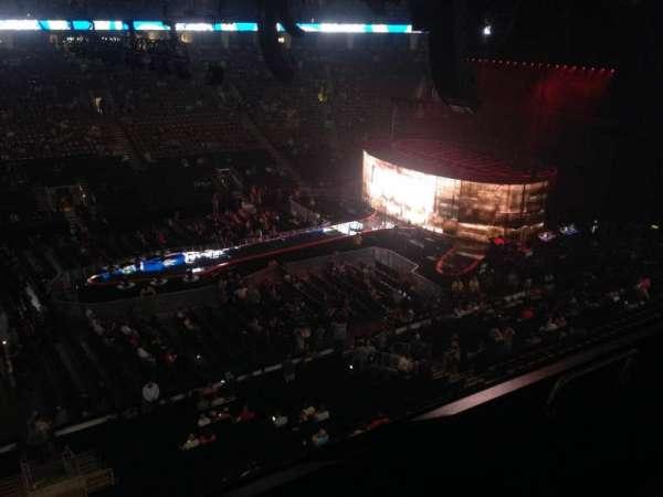 Scotiabank Arena, vak: 322, rij: 1, stoel: 2