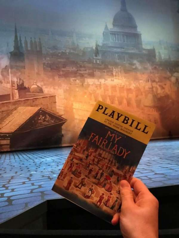 Vivian Beaumont Theater, vak: Orchestra LC, rij: B, stoel: 202