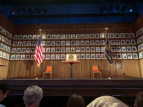 Hayes Theater, vak: Orchestra C, rij: C, stoel: 106