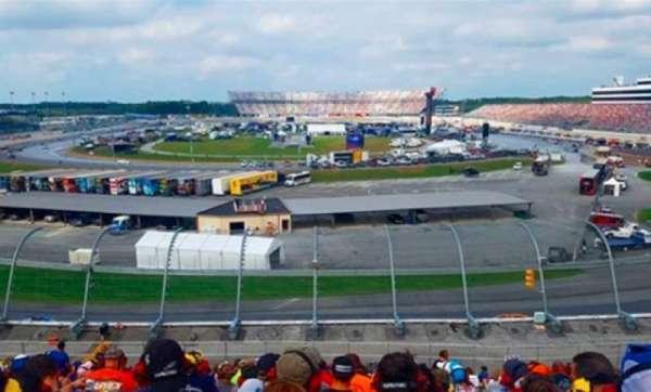Dover International Speedway, vak: 140, rij: 35