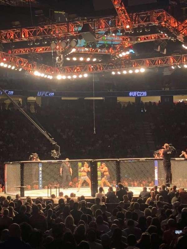 T-Mobile Arena , vak: 12, rij: C, stoel: 10