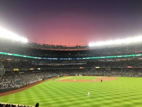Yankee Stadium, vak: 203, rij: 13, stoel: 21