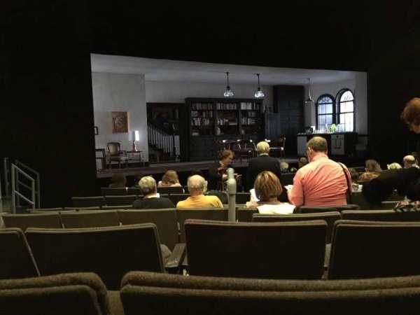 Laura Pels Theatre, vak: Orchestra, rij: L, stoel: 7