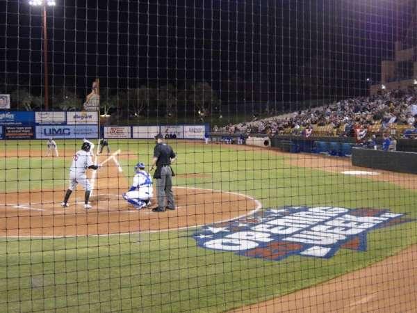 Cashman Field, vak: Dug-A, rij: 3, stoel: 9