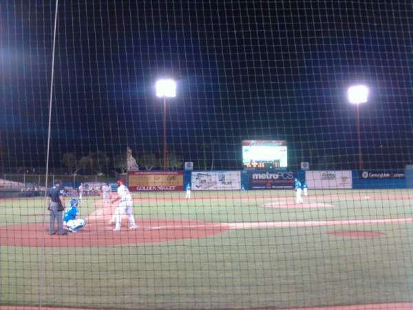 Cashman Field, vak: Dug-D, rij: 3, stoel: 4