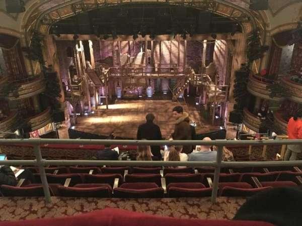 Richard Rodgers Theatre, vak: Rear Mezzanine, rij: A, stoel: 105/106
