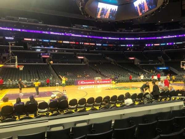 Staples Center, vak: 112, rij: 5, stoel: 13