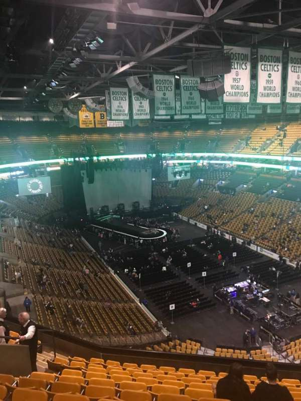 TD Garden, vak: Bal 311, rij: 11, stoel: 12