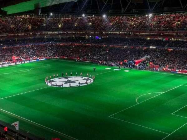 Emirates Stadium, vak: 107, rij: 17, stoel: 455