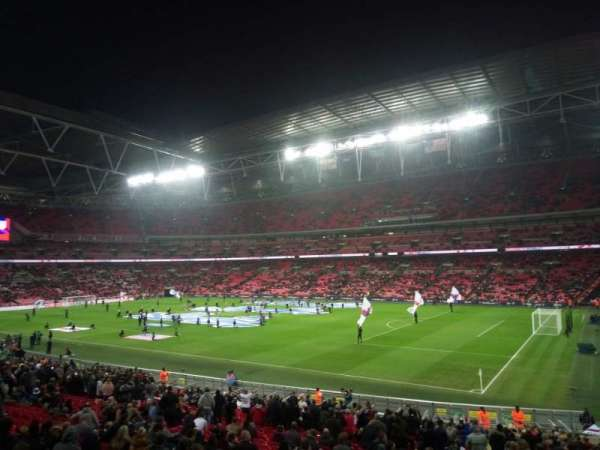 Wembley Stadium, vak: Away, rij: X, stoel: 17