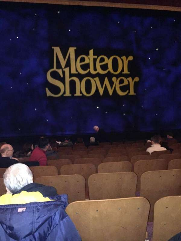 Booth Theatre, vak: Orchestra C, rij: J, stoel: 106